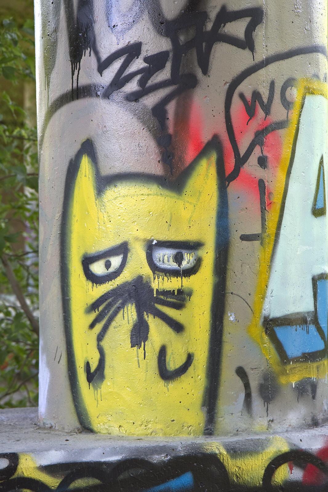 graffiti meow