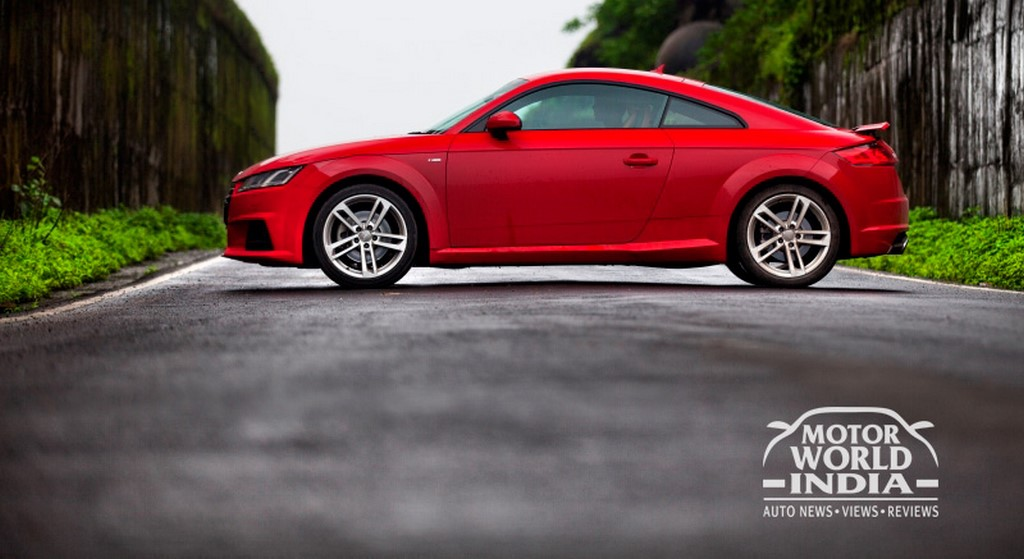 Audi-TT-Side