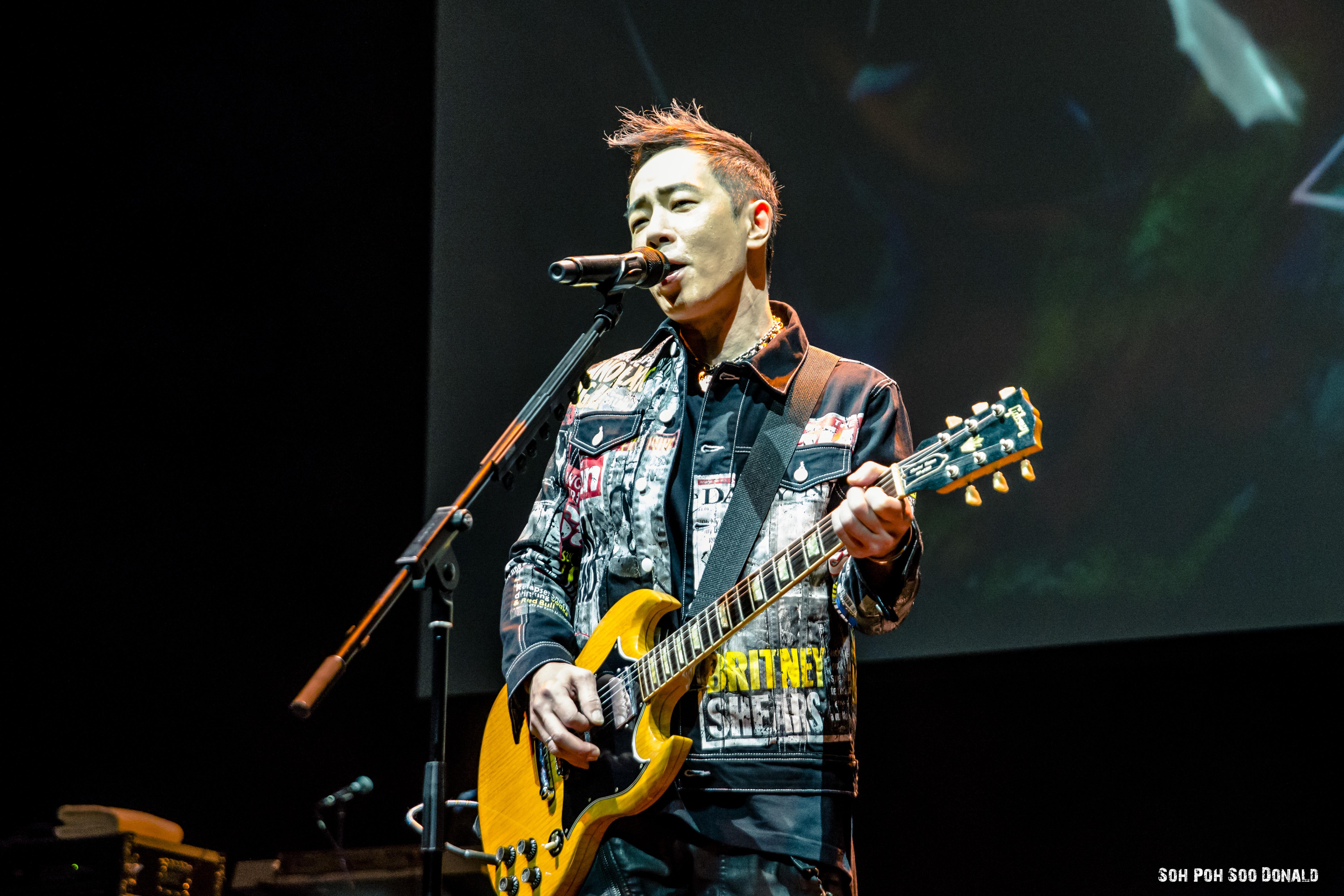 Paul Wong 黃貫中 Live in Singapore 英雄有分数 World Tour