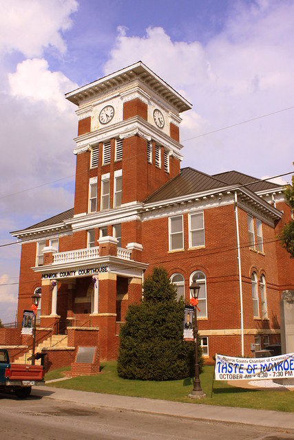 Monroe County Courthouse (Alt) - Madisonville, TN