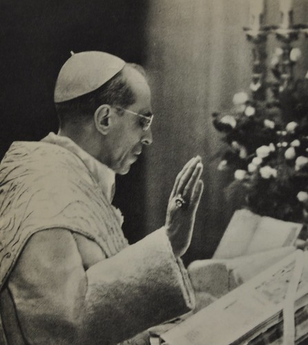 Pope Pius XII celebrates Mass
