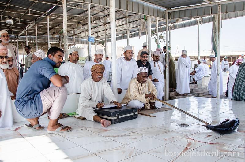 mercado de pescado en Omán