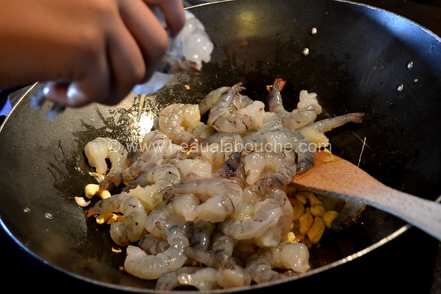 Crevettes au Curry Jaune & Ananas avec Nouilles © Ana Luthi Tous droits réservés 010