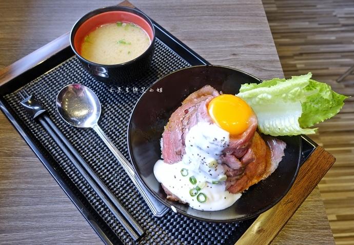 6 山丼 玫瑰和牛丼 岩石牛排丼 碳烤豚肉丼 辣子雞肉丼 公館美食 日式丼飯