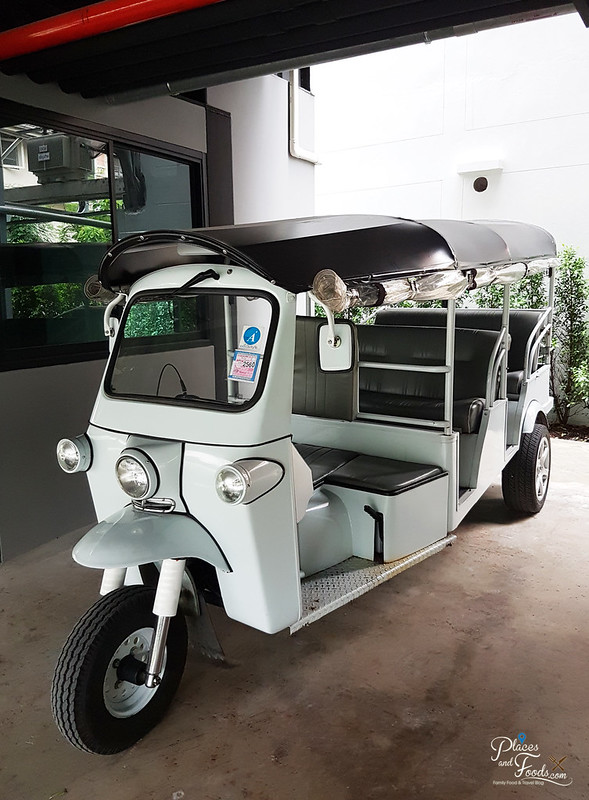 sleepbox sukhumvit 22 white tuktuk