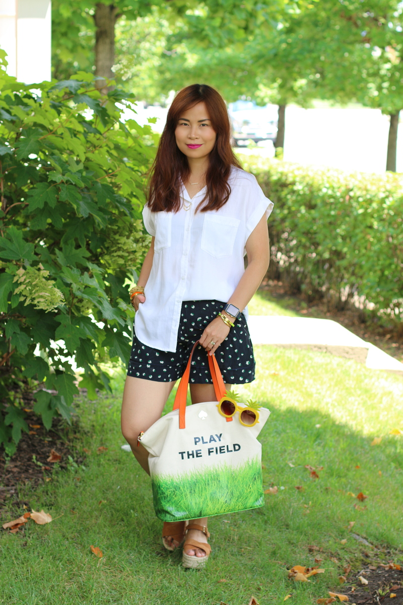 play-the-field-bag-white-top-shorts-2