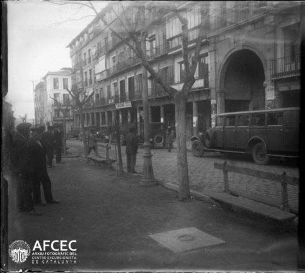 Plaza de Zocodover en 1929. Fotografía de Óscar Torras i Buxeda © Centre Excursionista de Catalunya