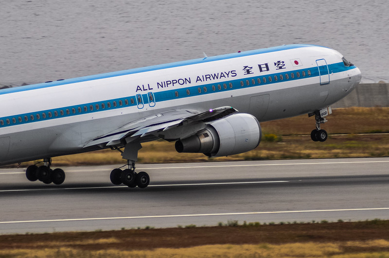 JA602A  ANA 全日空 Boeing 767-300 ANAモヒカンジェット mohican