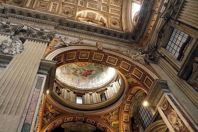 Halls-of-Vatican-Museum