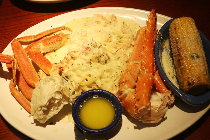 Red-lobster-Crab-Lovers-Dream-linguini-crab-legs-9