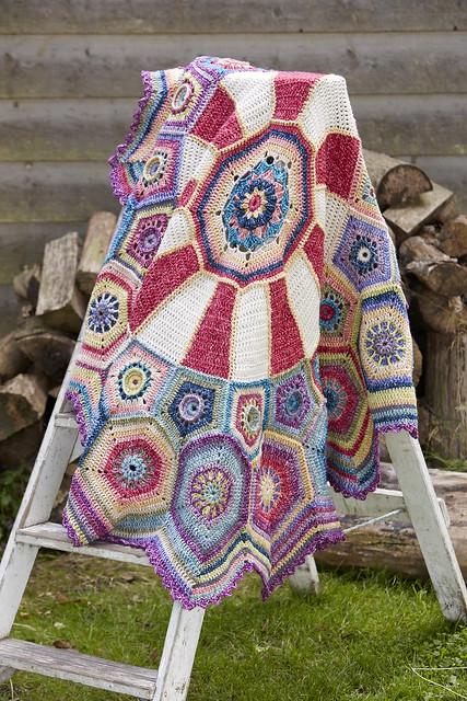 Carousel blanket Sue Pinner CAL (1)