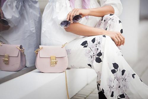 chloe-drew-bag-in-cement-pink
