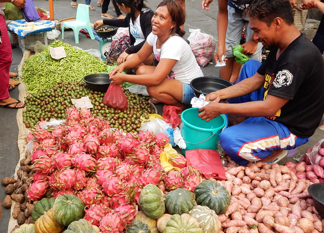 laoag-daily-market