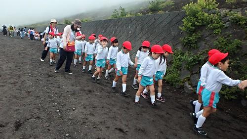 幼稚園去富士山五合目郊遊係威威