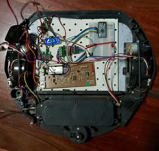 Robot drive platform from dead vacuum bot