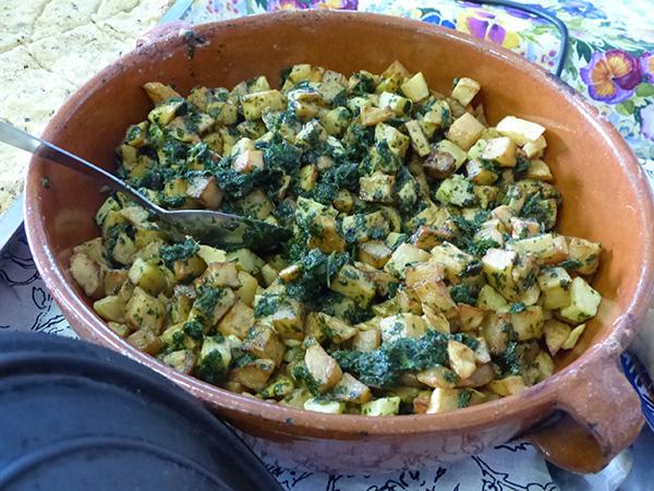pommes de terre sautées au pesto de coriandre