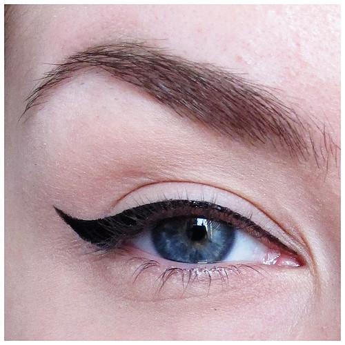 703_eyeliner_06
