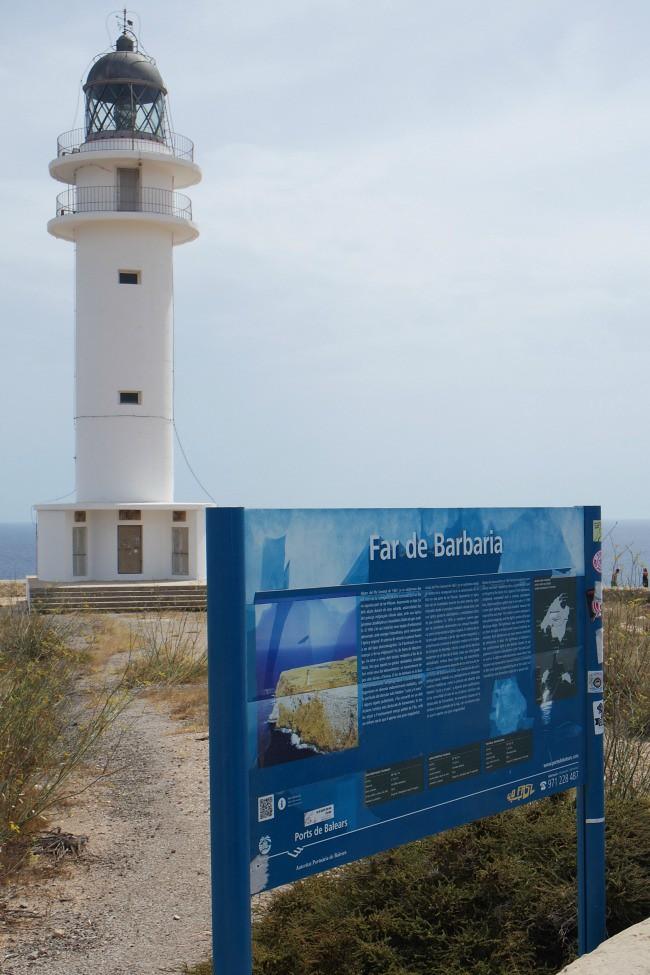 Outfit e viaggi Formentera e il Far de Barbaria (1)