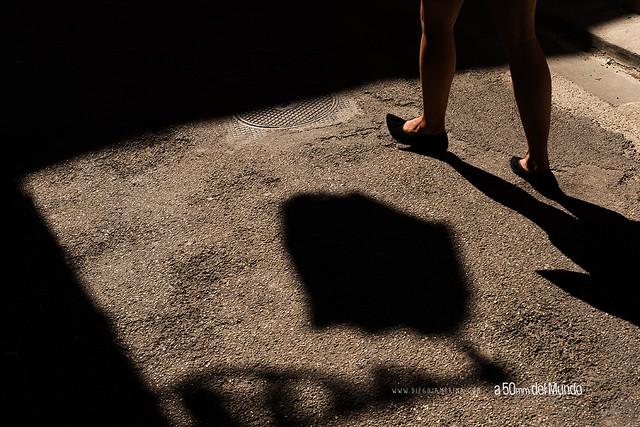 Bajo la sombra de la farola