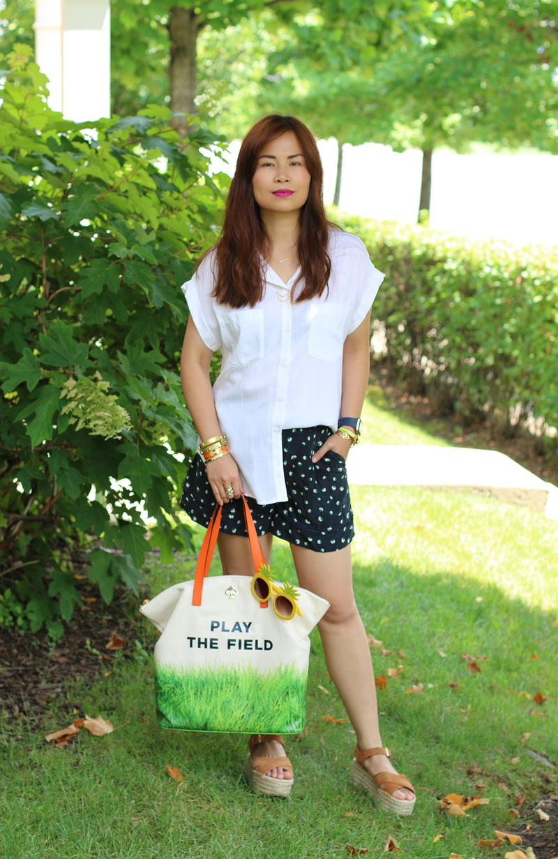 play-the-field-bag-white-top-shorts-3