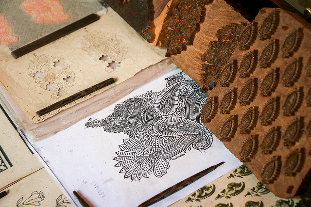 Traditional block print displayed in Anokhi Museum of Hand Printing, Jaipur ジャイプール、アノーキ美術館のブロックプリント用版木
