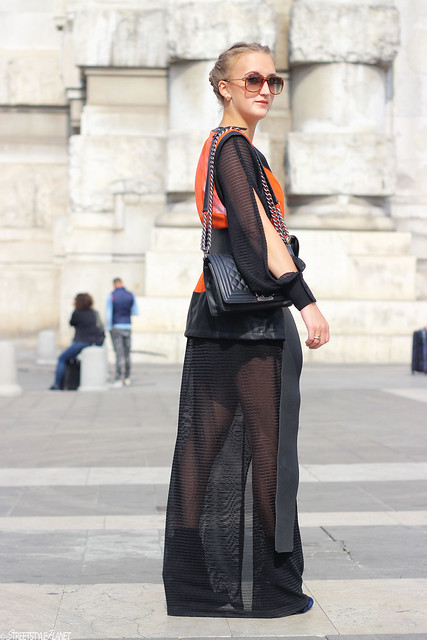 milan-fashion-week-whole-outfit-side-rebekka-ruetz-wmbg