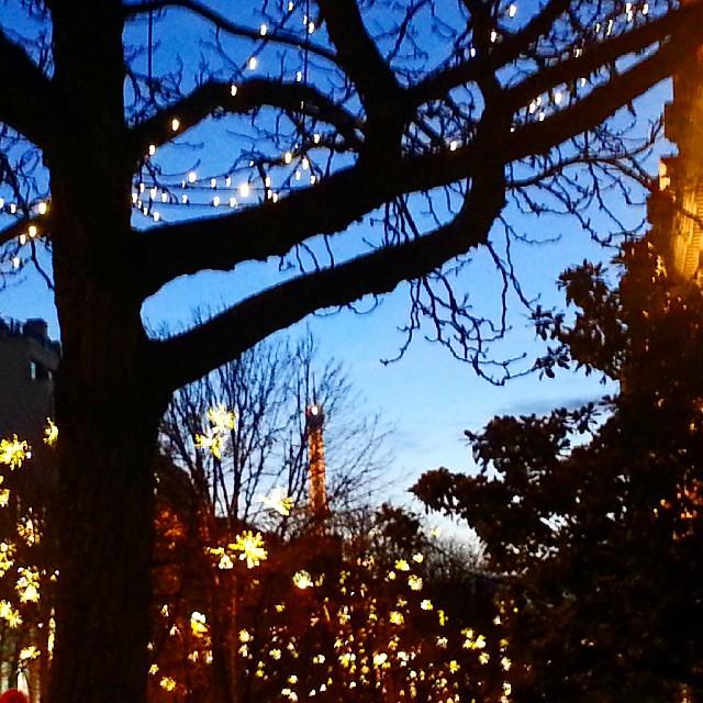 Starry December night in Paris! #Paris #EiffelTower #parisjetaime #ChristmasInParis #noel