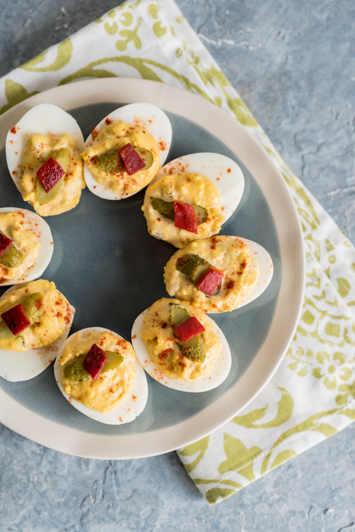 Spicy Southern Deviled Eggs www.pineappleandcoconut.com
