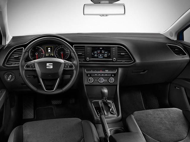 Торпедо SEAT Leon SC 2013 года