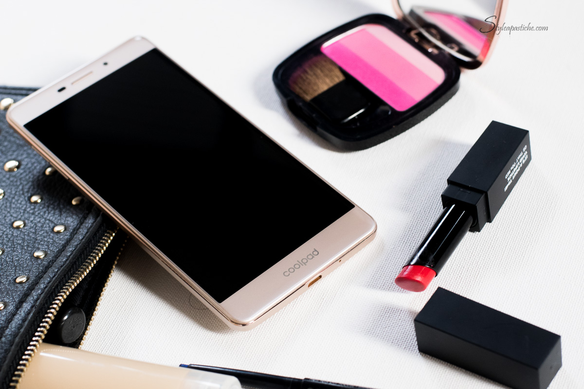 2-Indian-fashion-beauty-lifestyle-blogger-styleapastiche-whats-in-my-beauty-bag-coolpad-mega25d-smartphone-review