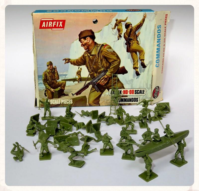 Toy soldiers, cowboys, indians, space men etc 28801462305_c202e70b84_c