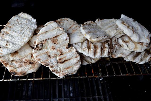 Galettes de Pain Grillées au Barbecue Sauce Piquante © Ana Luthi Tous droits réservés  002