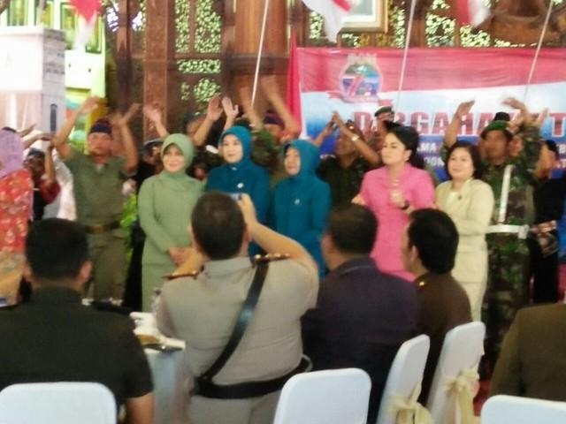 Acara Peringatan HUT TNI di Pendopo Kongas Arum Kabupaten Tulungagung(5/10)