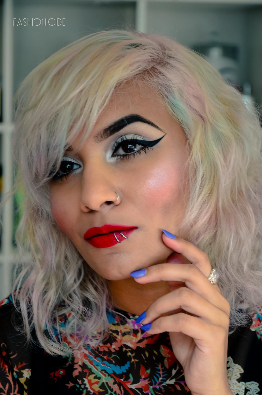Illamasqua Hydra Veil Gel Box Lipstick Review 1