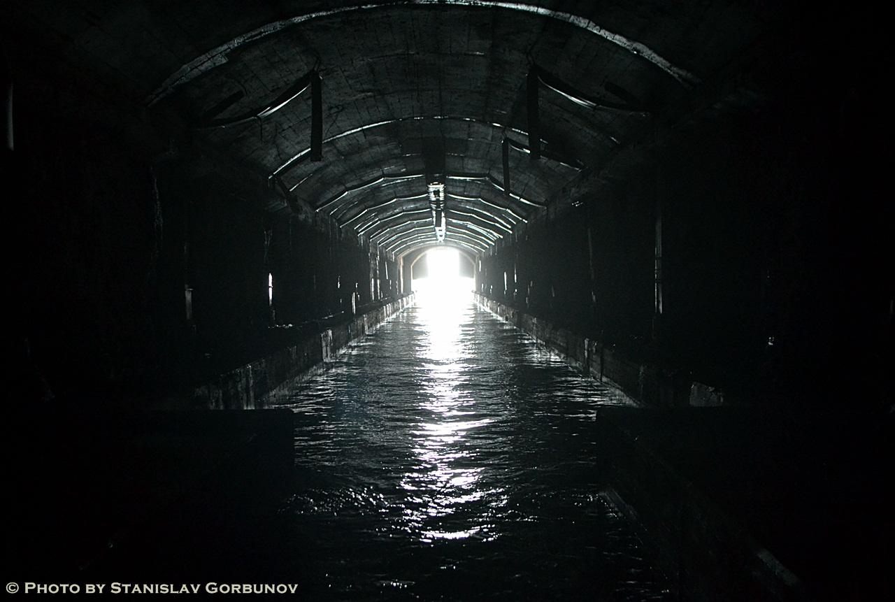 Альтернативная Черногория – о заброшенной базе подводных лодок в Росе