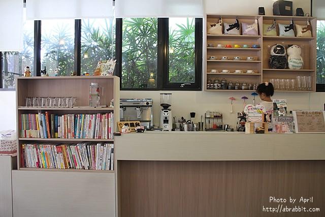 29435948073 6443b46f2e z - 【熱血採訪】[台中]朵喵喵咖啡館--愛貓人士請進,這裡是貓咪中途之家、台中貓餐廳、貓咖啡廳@東區 自由路(已歇業)