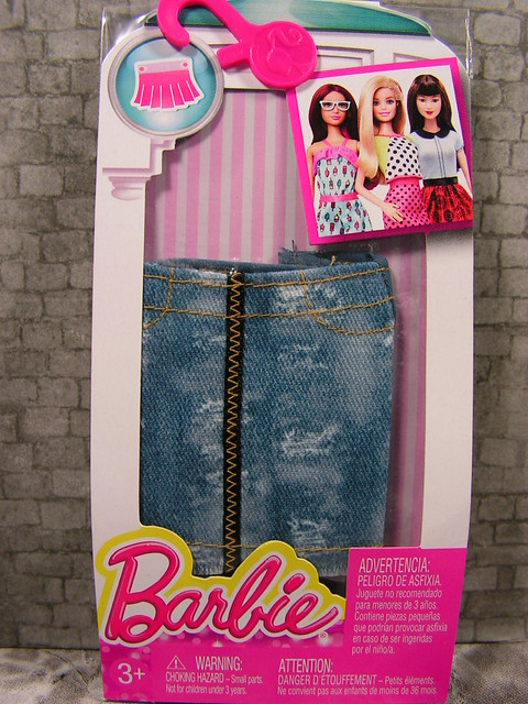 2015 Barbie Fashion DMB39