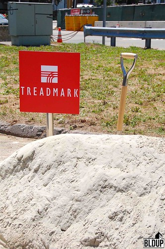 Treadmark-Shovels-2