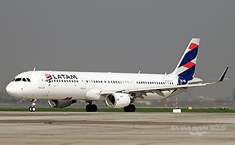 LATAM A321 CC-BEL (RD)