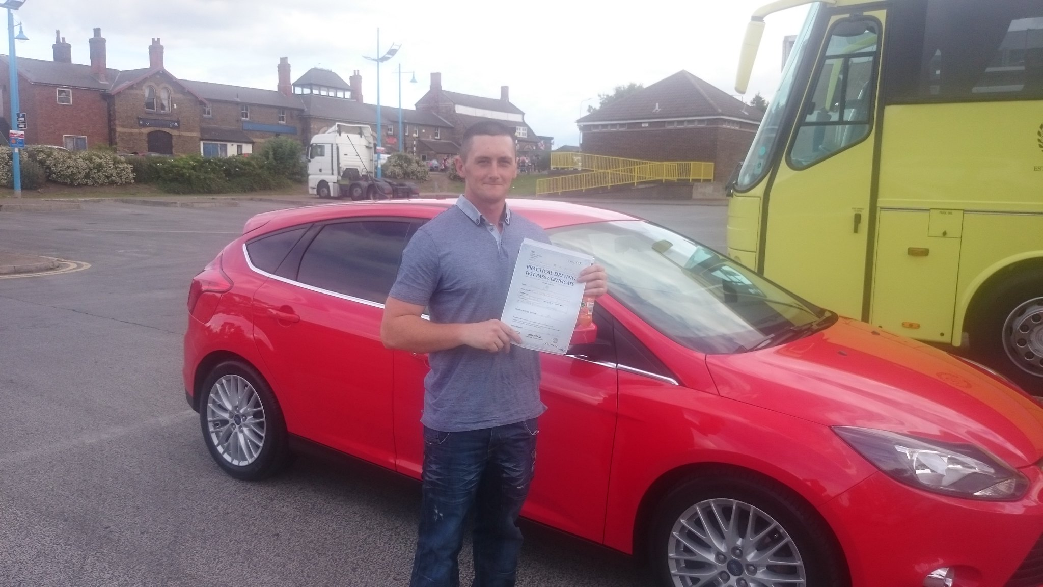 Matthew Borrill passes driving test in grimsby with 21st Century Driving