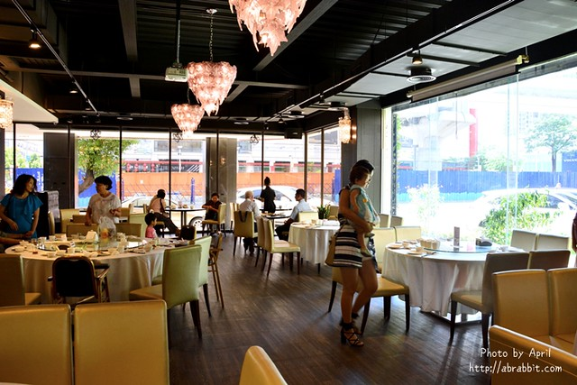 28348053505 7178c2a092 z - 【熱血採訪】[台中]香港阿杜婚宴會館--個人套餐新推出,想吃港式烤鴨,不必呼朋引伴囉!@文心路