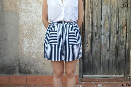 taller costura shorts