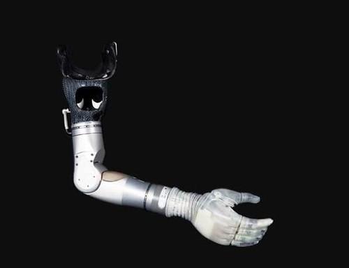 Умная бионическая рука LUKE Arm