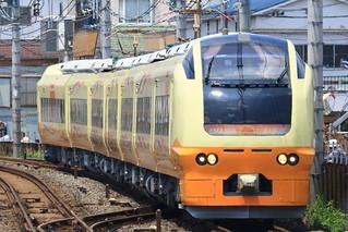 E653系 尾久駅通過