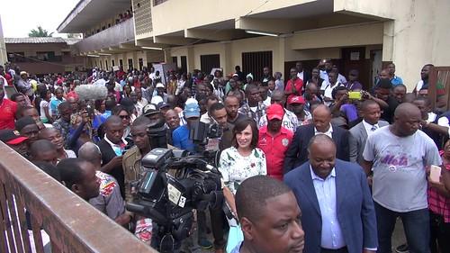 Arrivée d%27Ali BONGO et son épouse au bureau de vote