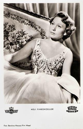 Heli Finkenzeller in Briefträger Müller (1953)