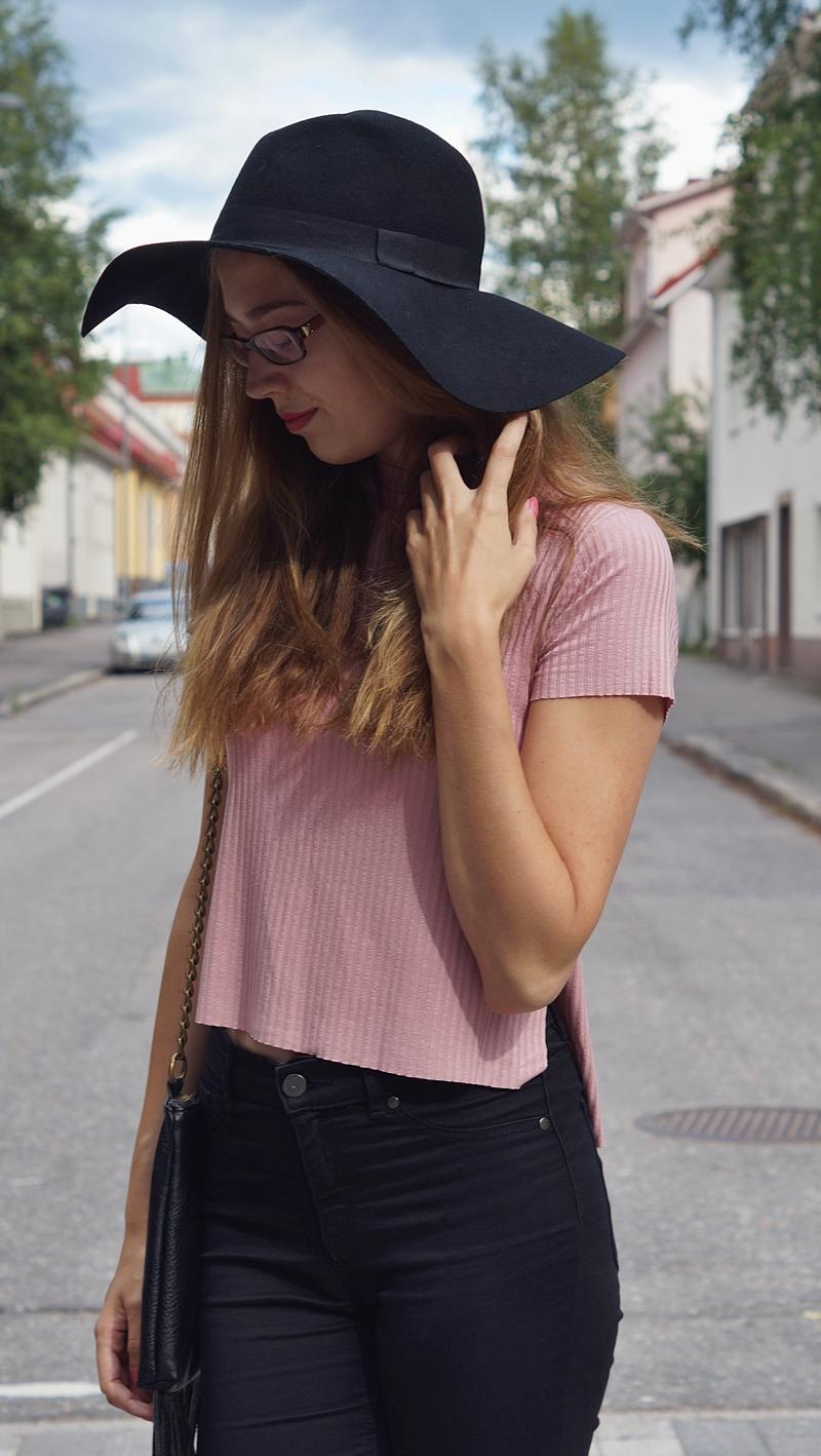 hattutäti2