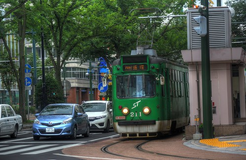 Tramcars at Sapporo on JUL 20, 2016 (3)