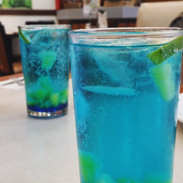 Blue Colada Fizz 💙💚💖👍👌🍹🍹  #bluecolada #love #Foodie #FoodPorn #InstaFood #instagood #JAN #life #choice #foodphotography