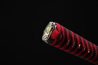handmade-platinum-quality-japanese-samurai-sword-katana-red-handle-gold-dragon-knob